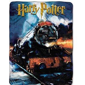 Harry Potter Hogwarts blanket New Warner 46x60